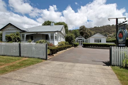 Walton House B&B Mill House Suite - Huonville - Bed & Breakfast