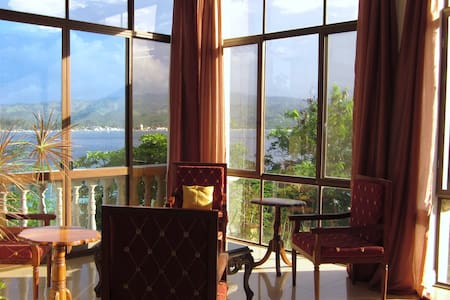 Wake to Magnificent Sunrises, Queen Size B&B - Malay - Bed & Breakfast