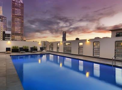 A+ Location City Apt w/ Sky Pool