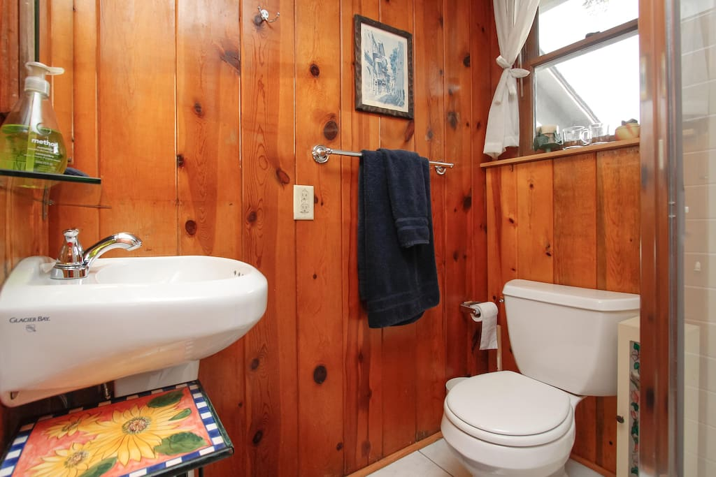 Privite Full Bathroom