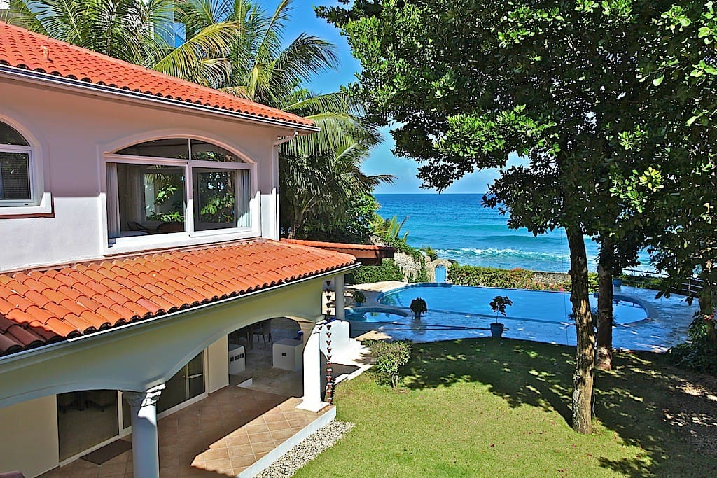Beach house for rent in Dominicana