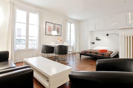 Apartment No.7 Incredible