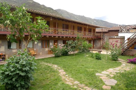 Guest House Pisac Inca  - Bed & Breakfast