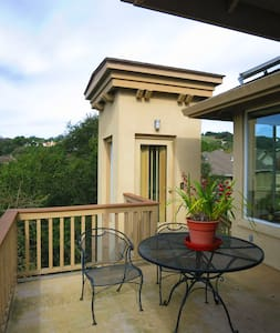 King bed, private deck - Santa Rosa - House