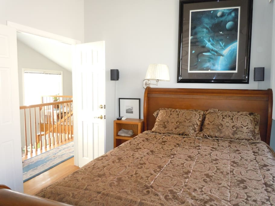 Queen Size Bed In Newport Beach