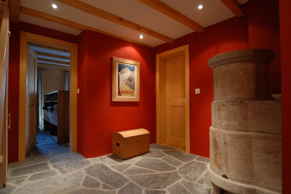 Ground floor: Entrance area with traditional  soap stone heating option