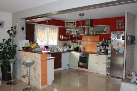 maison individuelle - Guimiliau - House