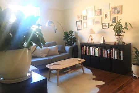 Art Deco Apartment - Apartemen