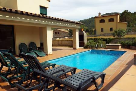 Villa St Llorenç de la Muga with swimming pool - Villa