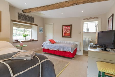 Double bed room  with ensuite - Bed & Breakfast