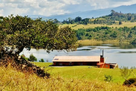 AMAZING COUNTRY HOME - EL SISGA DAM - Choconta - House