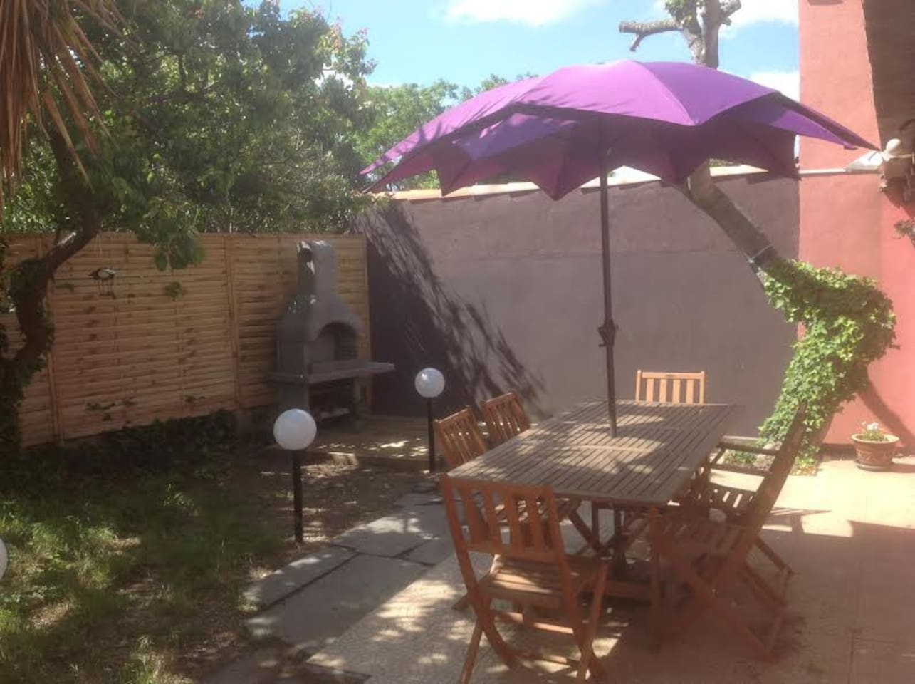 Terrasse en plein soleil - Barbecue en dur