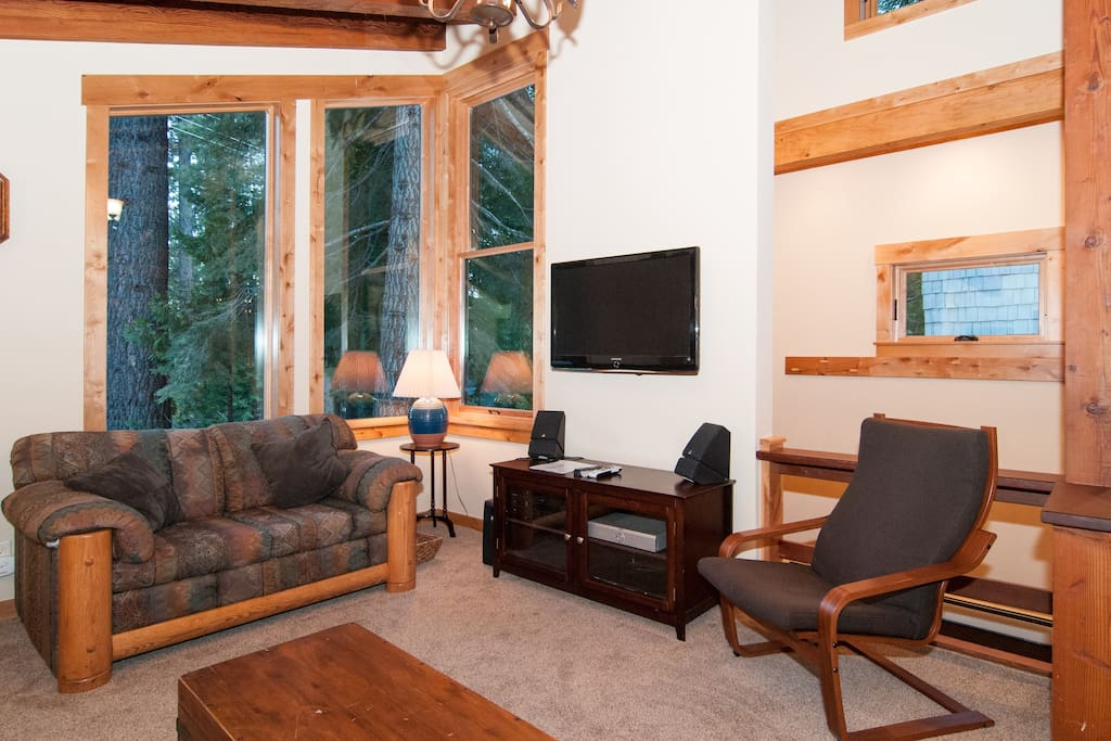 Family Room with flat screen TV, DirecTV, AppleTV, Roku, Sonos whole house music
