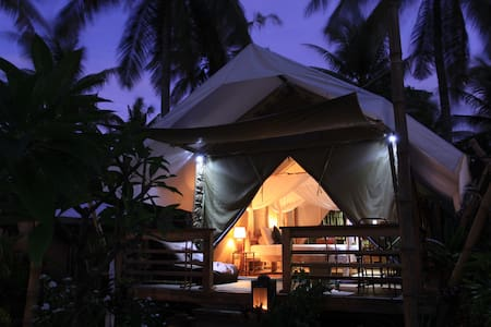 Room type: Private room Bed type: Real Bed Property type: Tent Accommodates: 2 Bedrooms: 1 Bathrooms: 1