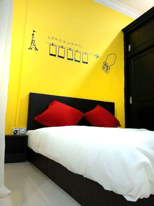 Common Room (Yellow)