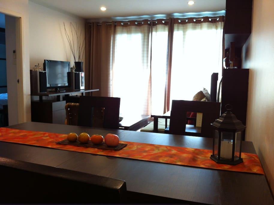 2BR-cozy Apt. central BKK free WIFI