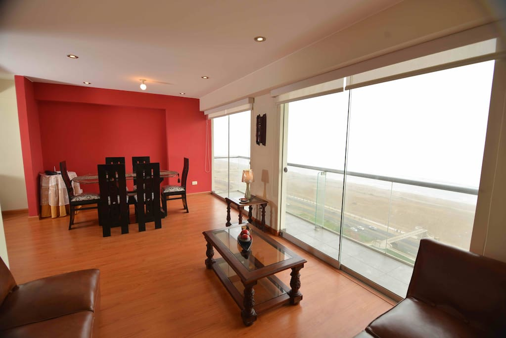 Entertain your guests and pamper your loved ones in this comfortable apartment with an excellent setting.