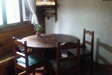 Habitación Privada en Casa Amplia! - El Bolsón - Casa