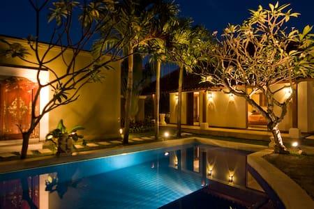 Tropical Villa near Berawa Beach