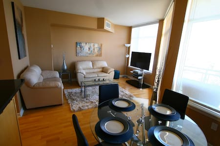 Luxurious Downtown 2 Bed 2 Bath!!!