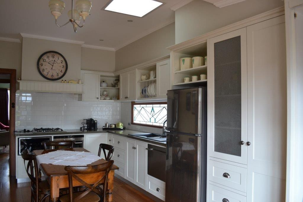 Fully equipped kitchen - all crockery, cutlery and cooking utensils included.