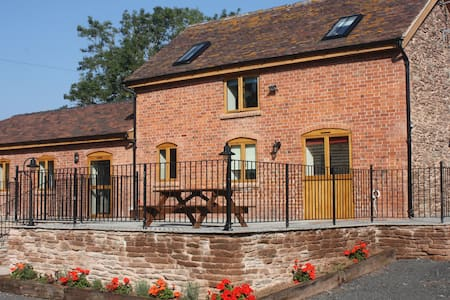 The Stables slps 6 in rural Hereford. - Bromyard