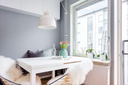 Modern and stylish studio apt - Stockholm - Apartment
