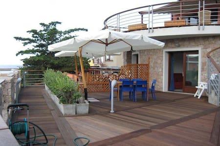 ISOLA ROSSA ON THE BEACH - Apartamento