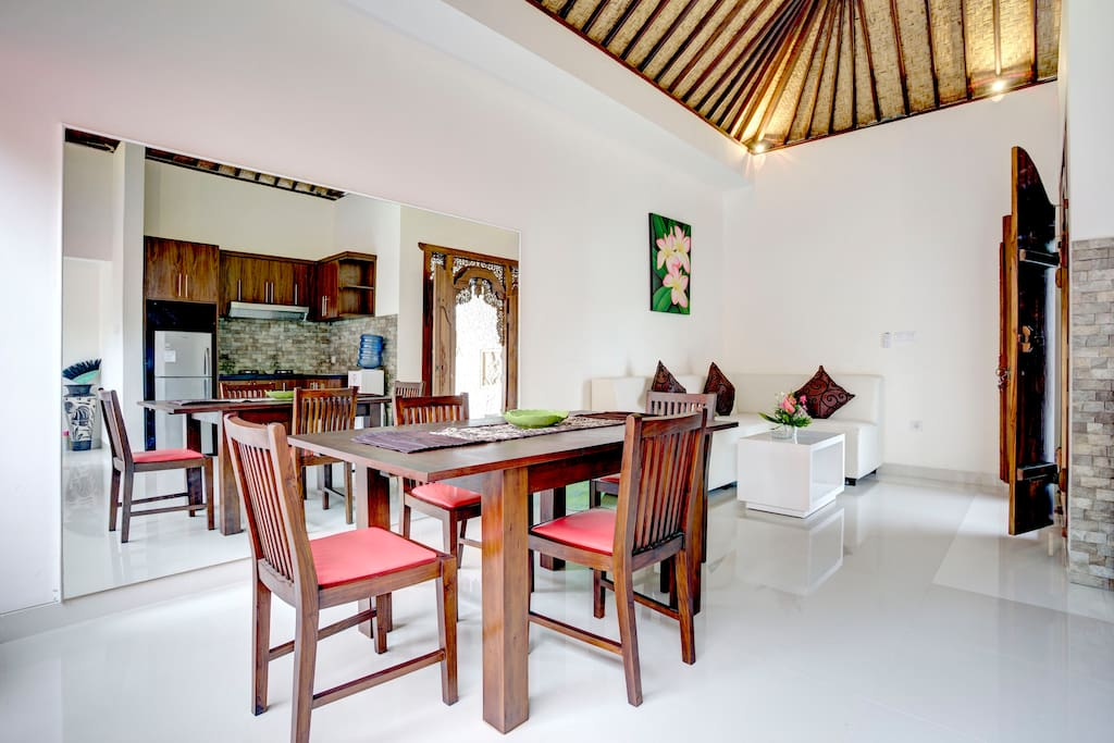 Villa Cendrawasih. 2 BDR, Pool.