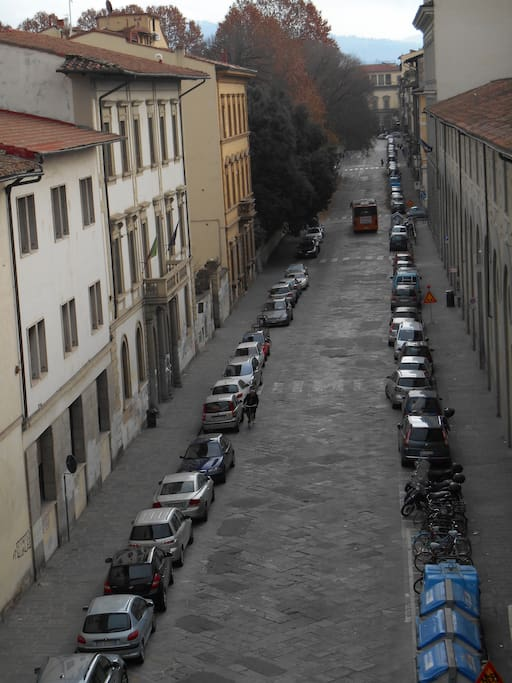 QUIET STREET. VIEW FROM THE WINDOW (RIGHT)