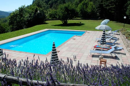 Villa with pool in the Tuscan woods - Marradi - Villa