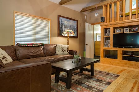 Cozy Cabin, in Little Cottonwood Canyon - Sandy - House