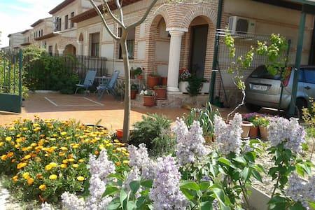 Chalet en Casas Buenas, pueblo cercano a Toledo. - Casasbuenas
