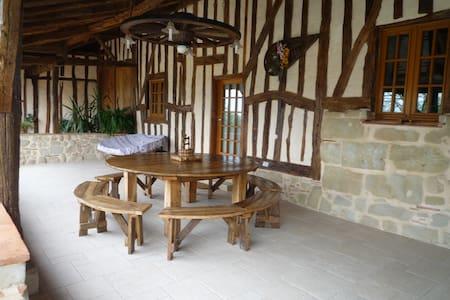 Maison de campagne à Tombebœuf - Casa