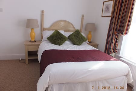 Double room with Shower and WC - Bed & Breakfast