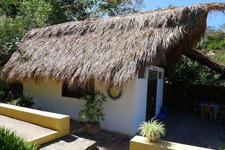 Mazuntinas Retreat -Mazunte, Oaxaca - Mökki