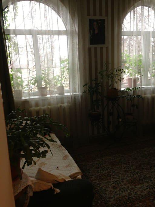 Bedroom2 (smaller double bed)
