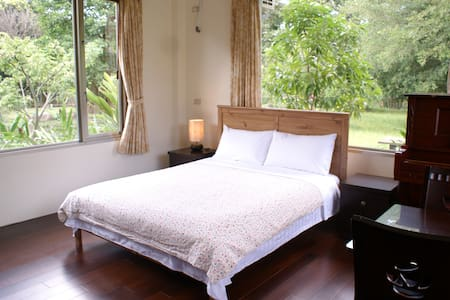 Taiwan Thumb-up Taoist Retreat B&B - Bed & Breakfast
