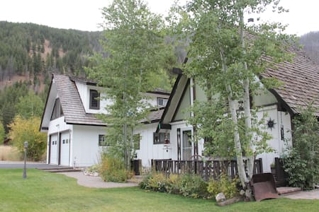 Board Ranch Getaway located by famous Baldy Mt. - Apartemen