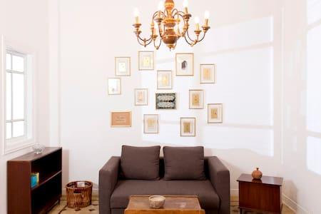 100m2 flat in Mar Michael Achrafieh - Apartemen