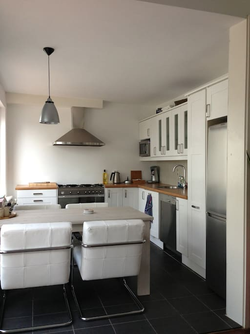 Fully equiped kitchen.