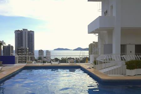 Spacious and comfortable Apartment /3-blocks-beach - Acapulco - Kondominium