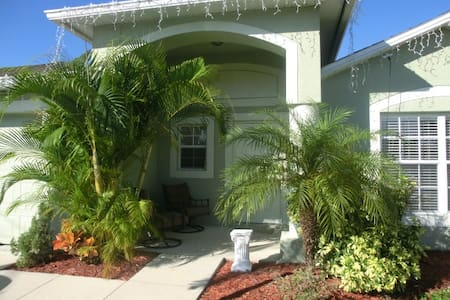 Florida Guest House clean & bright