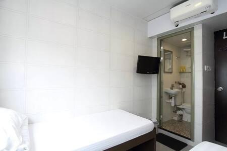 Twin bed room 舒適乾淨雙人房 - 香港 - Apartment