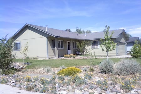 High Sierra Base Camp for 1 or 2 - Gardnerville - Bed & Breakfast