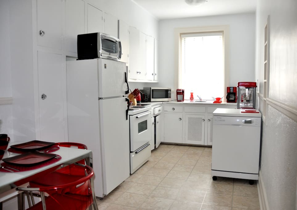 Luxe appartement meubl 1 chambre appartements louer for Meubles montreal decarie