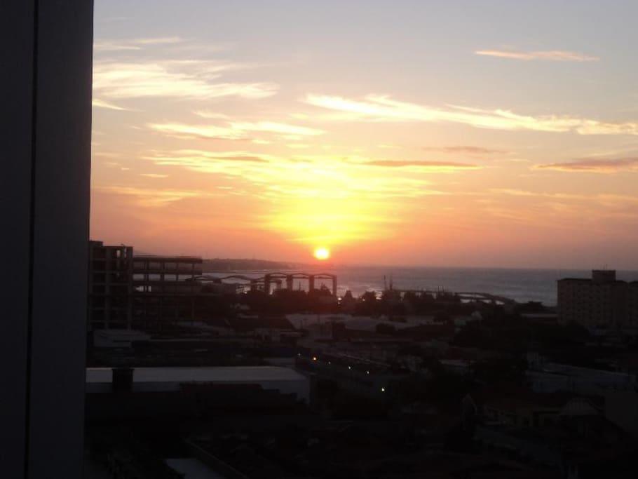 Vista Por do Sol da Varanda Lateral
