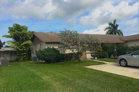 Garden Home - Palm Beach Gardens