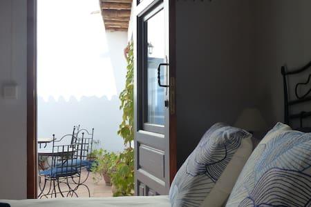 Casita de la Vaca - Courtyard Room - Haus