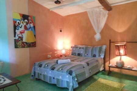 Very Charming Bahian Style House - Trancoso - Bed & Breakfast